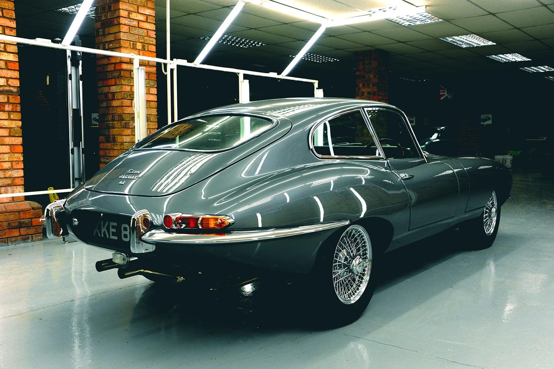 Jaguar E-type rear 1