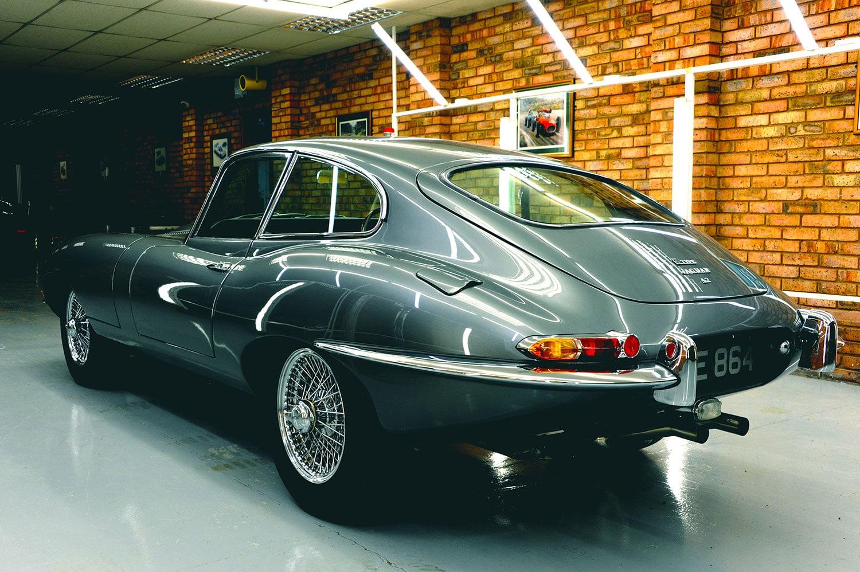 Jaguar E-type rear 2