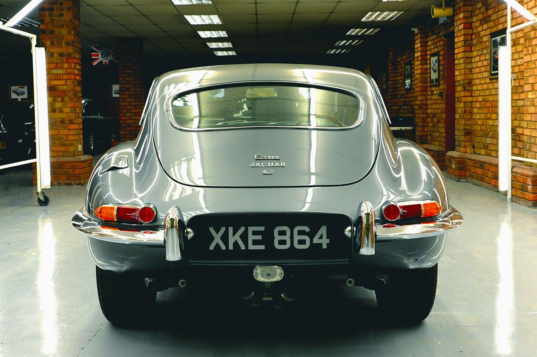 Jaguar E-type rear3